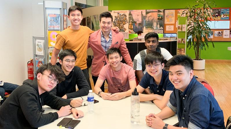 German Educare students learning German as preparation to study in Germany